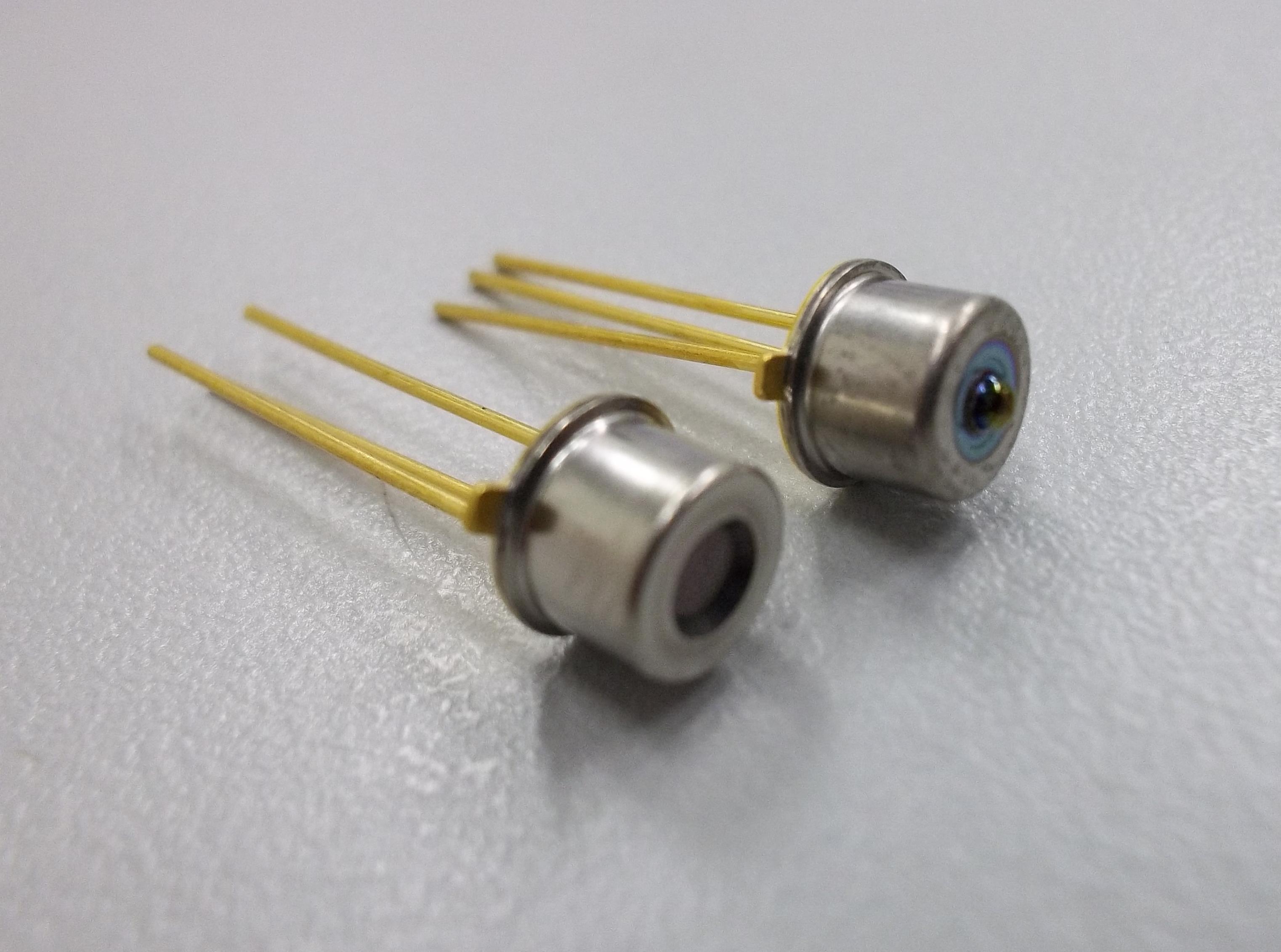 Φ300um光敏面TO46封裝InGaAs光電二極管